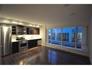 "Photo 7: 201 4888 NANAIMO Street in Vancouver: Victoria VE Condo for sale in ""2300 Kingsway"" (Vancouver East)  : MLS®# V983782"