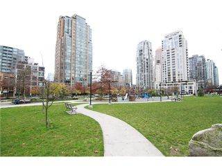 "Photo 8: 2302 1188 RICHARDS Street in Vancouver: Yaletown Condo for sale in ""PARK PLAZA"" (Vancouver West)  : MLS®# V985396"