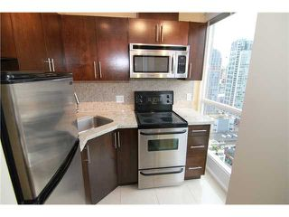 "Photo 1: 2302 1188 RICHARDS Street in Vancouver: Yaletown Condo for sale in ""PARK PLAZA"" (Vancouver West)  : MLS®# V985396"