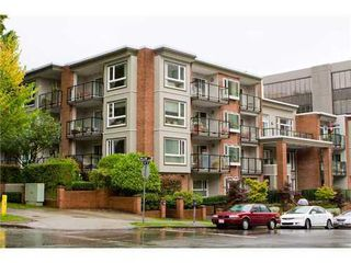 Photo 1: PH1 2577 WILLOW Street in Vancouver West: Fairview VW Home for sale ()  : MLS®# V912686