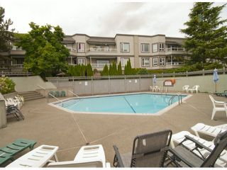 "Photo 9: 205 1840 E SOUTHMERE Crescent in White Rock: Sunnyside Park Surrey Condo for sale in ""Southmere Mews"" (South Surrey White Rock)  : MLS®# F1320585"