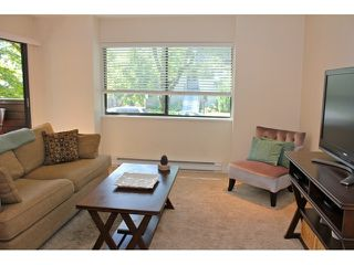 Photo 3: # 201 1633 W 11TH AV in Vancouver: Fairview VW Condo for sale (Vancouver West)  : MLS®# V1045703