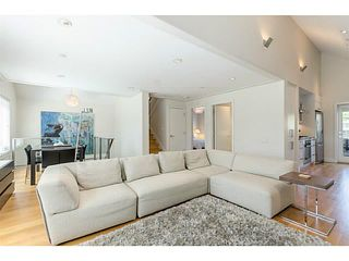 Photo 2: 339 W 15TH AV in Vancouver: Mount Pleasant VW Townhouse for sale (Vancouver West)  : MLS®# V1122110