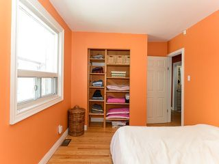 Photo 2: 18 Crewe Ave in Toronto: Woodbine-Lumsden Freehold for sale (Toronto E03)  : MLS®# E3587480