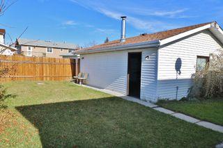 Photo 3: 152 RUNDLECAIRN Rise NE in CALGARY: Rundle House for sale (Calgary)  : MLS®# C4056816