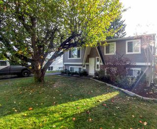 Photo 2: 26746 32A AVENUE in Langley: Aldergrove Langley House for sale : MLS®# R2118449