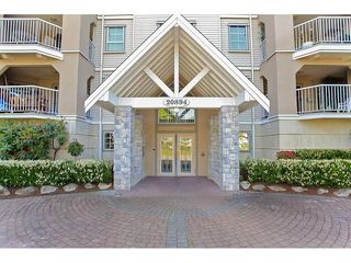 Photo 2: 106-20894 57th Ave in Langley: Condo for sale : MLS®# R2136164