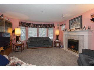 Photo 3: 106-20894 57th Ave in Langley: Condo for sale : MLS®# R2136164