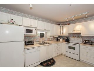 Photo 9: 106-20894 57th Ave in Langley: Condo for sale : MLS®# R2136164
