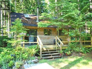 Main Photo: 1623 Vancouver Boulevard in Savary Island: House for sale : MLS®# 11760
