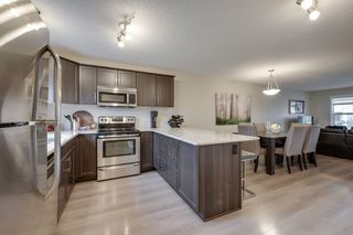 Photo 9: 732 Secord Boulevard: Edmonton House for sale : MLS®# E4128935