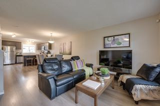 Photo 5: 732 Secord Boulevard: Edmonton House for sale : MLS®# E4128935