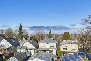 Photo 2: 3339 COLLINGWOOD STREET in Vancouver: Dunbar House for sale (Vancouver West)  : MLS®# R2357259