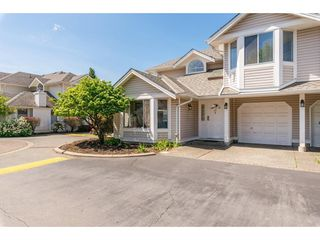 Photo 1: 15 7955 122 STREET in Surrey: West Newton Townhouse for sale : MLS®# R2372715