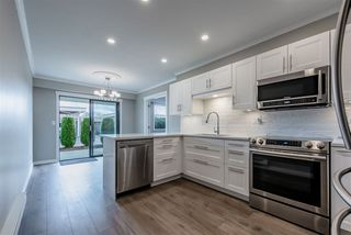 """Main Photo: 11 32959 GEORGE FERGUSON Way in Abbotsford: Central Abbotsford Townhouse for sale in """"Oakhurst Park"""" : MLS®# R2448467"""