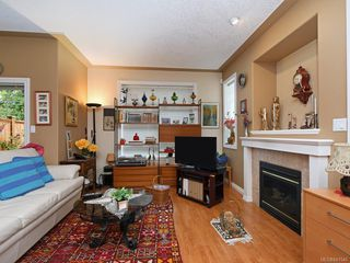 Photo 9: 1 3338 Whittier Ave in Saanich: SW Rudd Park Row/Townhouse for sale (Saanich West)  : MLS®# 841546