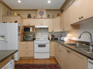 Photo 4: 1 3338 Whittier Ave in Saanich: SW Rudd Park Row/Townhouse for sale (Saanich West)  : MLS®# 841546