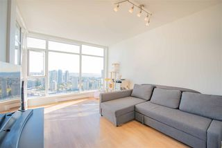 Photo 2: 3911 4670 ASSEMBLY Way in Burnaby: Metrotown Condo for sale (Burnaby South)  : MLS®# R2498364