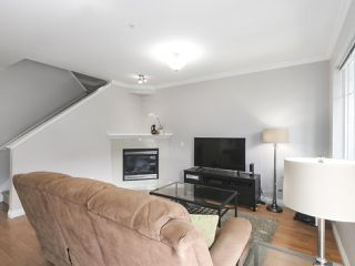 """Photo 4: 203 1567 GRANT Avenue in Port Coquitlam: Glenwood PQ Townhouse for sale in """"The Grant"""" : MLS®# R2513303"""
