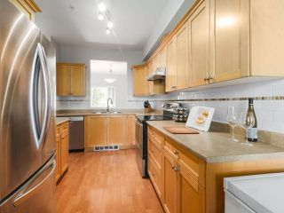 """Photo 11: 203 1567 GRANT Avenue in Port Coquitlam: Glenwood PQ Townhouse for sale in """"The Grant"""" : MLS®# R2513303"""