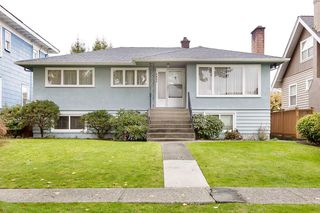 Photo 1: 3825 DUNDAS Street in Burnaby: Vancouver Heights House for sale (Burnaby North)  : MLS®# R2517776