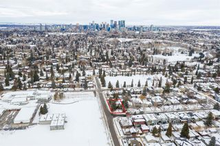 Main Photo: 540 48 Avenue SW in Calgary: Elboya Detached for sale : MLS®# A1059690