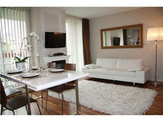 """Photo 1: 409 1212 HOWE Street in Vancouver: Downtown VW Condo for sale in """"1212 HOWE"""" (Vancouver West)  : MLS®# V935437"""