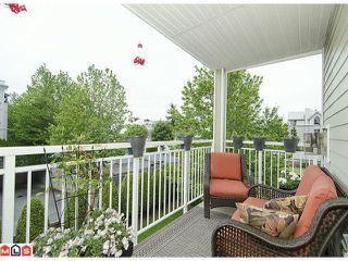 "Photo 10: 304 20189 54TH Avenue in Langley: Langley City Condo for sale in ""Catalina Gardens"" : MLS®# F1214183"