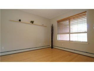 Photo 3: 323 22 RICHARD Place SW in CALGARY: Lincoln Park Condo for sale (Calgary)  : MLS®# C3527622