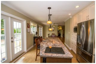 Photo 6: 2245 Northeast 24 Avenue in Salmon Arm: Appleyard House for sale (NE Salmon Arm)  : MLS®# 10087349