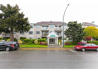 Photo 1: # 201 1140 55TH ST in Tsawwassen: Tsawwassen Central Condo for sale : MLS®# V1118885