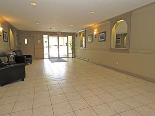 Photo 3: 201 721 Sahali Terrace in Kamloops: Lower Sahali Multifamily for sale : MLS®# 134243