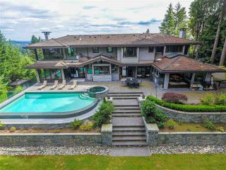Photo 1: 915 GROVELAND Road in West Vancouver: British Properties House for sale : MLS®# R2395019