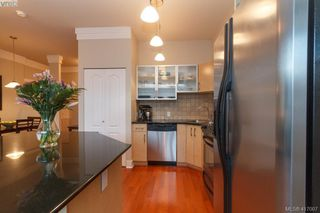Photo 11: 702 845 Yates St in VICTORIA: Vi Downtown Condo for sale (Victoria)  : MLS®# 827309