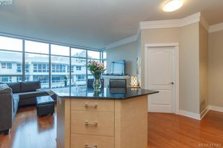 Photo 12: 702 845 Yates St in VICTORIA: Vi Downtown Condo for sale (Victoria)  : MLS®# 827309