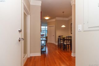 Photo 3: 702 845 Yates St in VICTORIA: Vi Downtown Condo for sale (Victoria)  : MLS®# 827309