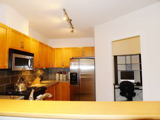 Photo 4: 309 2263 REDBUD Lane in TROPEZ: Home for sale : MLS®# V1025643