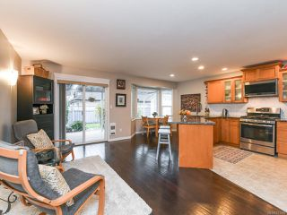 Photo 13: 2195 Hawk Dr in COURTENAY: CV Courtenay East House for sale (Comox Valley)  : MLS®# 831486