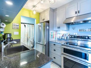 Main Photo: 212 312 CARNARVON Street in New Westminster: Downtown NW Condo for sale : MLS®# R2449250