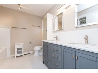 """Photo 14: 15967 ALDER Place in Surrey: King George Corridor Townhouse for sale in """"ALDERWOOD"""" (South Surrey White Rock)  : MLS®# R2478330"""