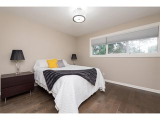 """Photo 11: 15967 ALDER Place in Surrey: King George Corridor Townhouse for sale in """"ALDERWOOD"""" (South Surrey White Rock)  : MLS®# R2478330"""