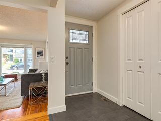 Photo 3: 519 PARKVALLEY Road SE in Calgary: Parkland Detached for sale : MLS®# A1031472