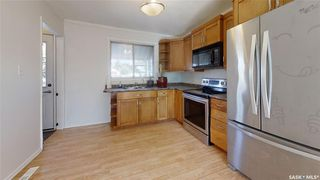 Photo 3: 202 Grant Street in Saskatoon: Forest Grove Residential for sale : MLS®# SK827961