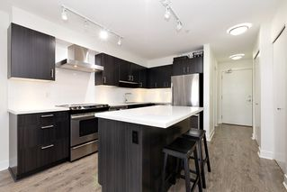 Photo 7: 402 500 ROYAL AVENUE in New Westminster: Downtown NW Condo for sale : MLS®# R2501724