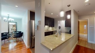 """Photo 7: 302 118 E 2ND Street in North Vancouver: Lower Lonsdale Condo for sale in """"The Evergreen"""" : MLS®# R2520684"""