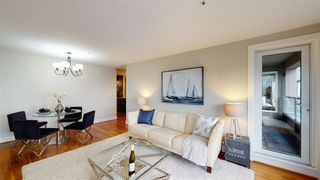 """Photo 5: 302 118 E 2ND Street in North Vancouver: Lower Lonsdale Condo for sale in """"The Evergreen"""" : MLS®# R2520684"""