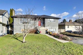 """Photo 2: 756 E 10TH Street in North Vancouver: Boulevard House for sale in """"BOULEVARD"""" : MLS®# R2527385"""