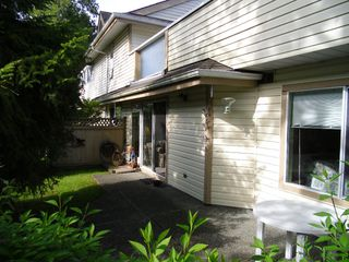 """Photo 25: 13 9965 151ST Street in Surrey: Guildford Townhouse for sale in """"Spencer's Gate"""" (North Surrey)  : MLS®# F1213452"""