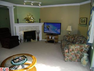 """Photo 3: 13 9965 151ST Street in Surrey: Guildford Townhouse for sale in """"Spencer's Gate"""" (North Surrey)  : MLS®# F1213452"""