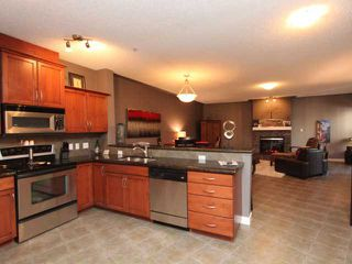 Photo 3: 218 10 DISCOVERY RIDGE Close SW in CALGARY: Discovery Ridge Condo for sale (Calgary)  : MLS®# C3559178